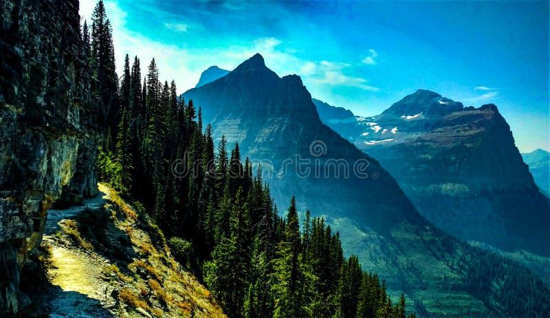 Traînée de Highline de parc de glacier photographie stock libre de droits