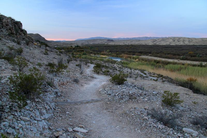 Traînée de Rio Grande Village Campground Nature pendant le matin photographie stock libre de droits