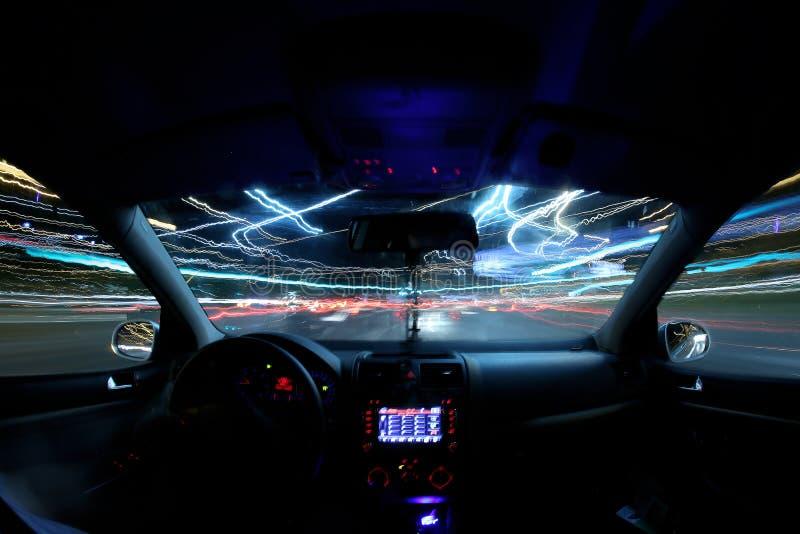 Download Traînées De Lumière De Voiture, Conducteur à L'intérieur Photo stock - Image du transport, homme: 76080956
