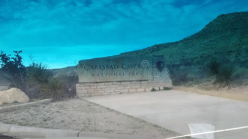 Traînées et routes de cavernes de Carlsbad belles photographie stock