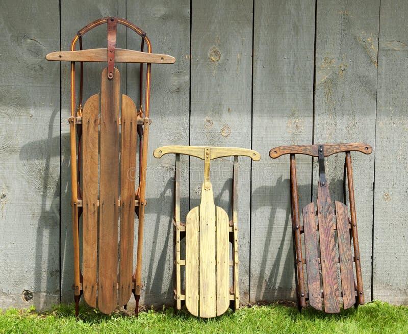 Traîneaux en bois de vintage images stock
