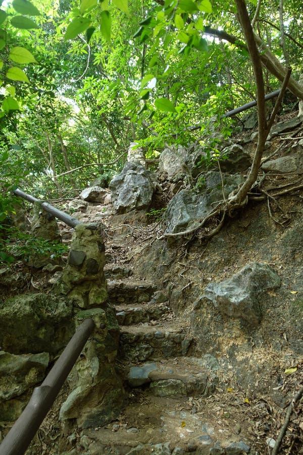 traînez à la manière de Leamsala à la caverne Hua Hin voisin, Tha de Phraya Nakorn images stock
