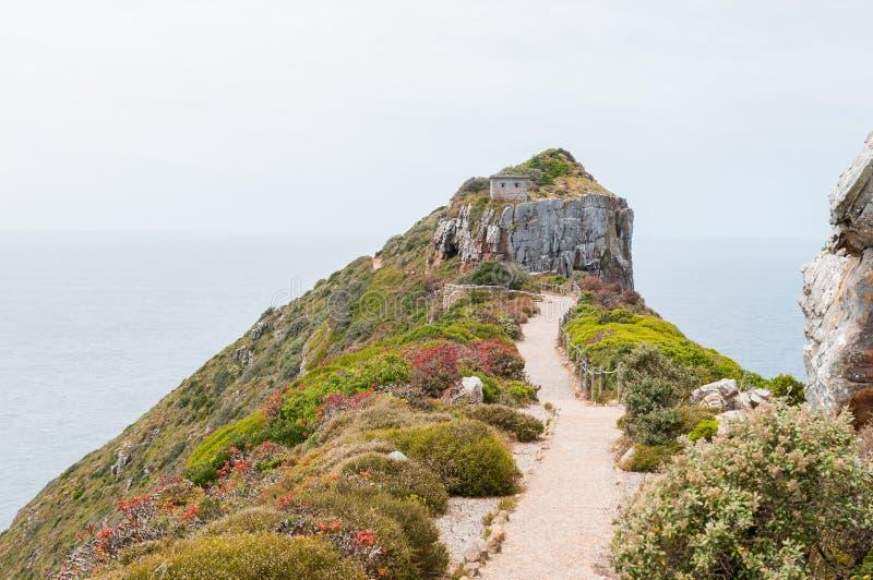 Traînez au point de vue au-dessus du nouveau phare chez Dias Point photographie stock libre de droits