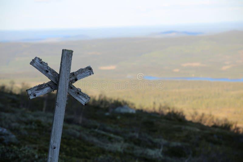 Traînez l'inscription à la montagne Ansaett en Suède image libre de droits
