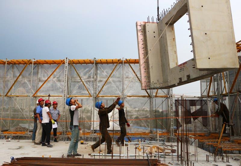 Download Trabajador de construcción fotografía editorial. Imagen de gente - 41916272