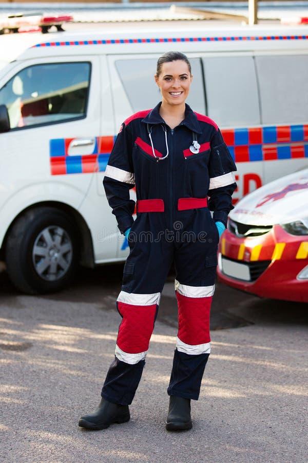 Trabajador del servicio médico de la emergencia imágenes de archivo libres de regalías