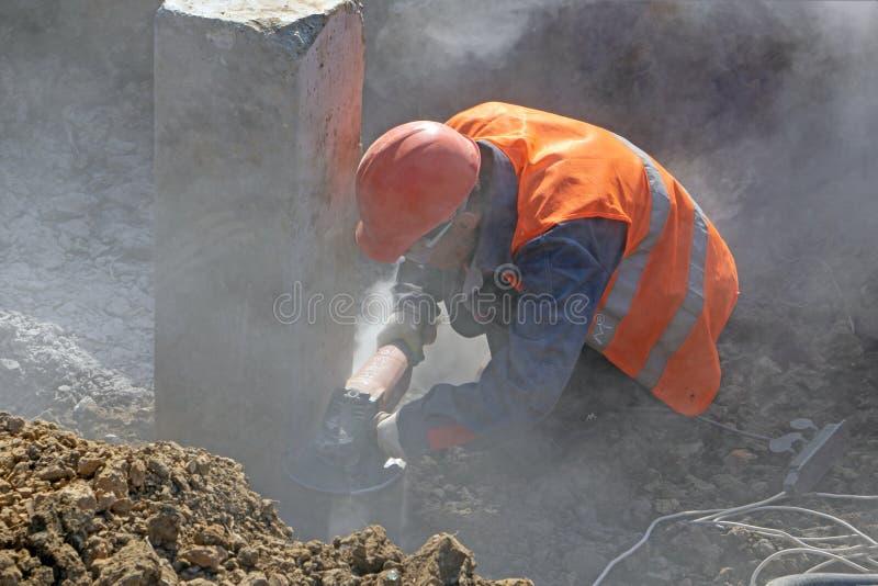 Trabajador en el emplazamiento de la obra foto de archivo libre de regalías