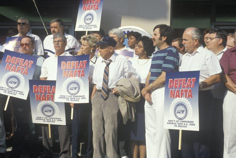 Trabajadores de unión que protestan el NAFTA imagenes de archivo