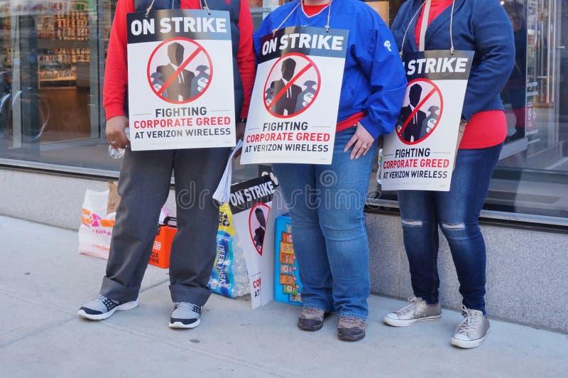 Trabajadores de Verizon en huelga imágenes de archivo libres de regalías