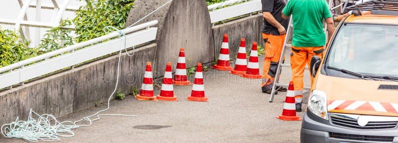 Trabajadores en una construcción de carreteras fotografía de archivo