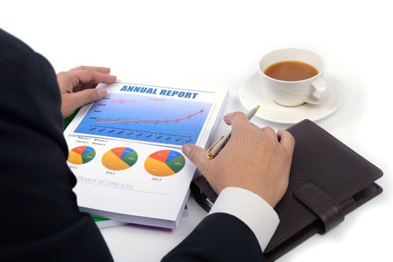 Trabajo con informe anual. foto de archivo libre de regalías