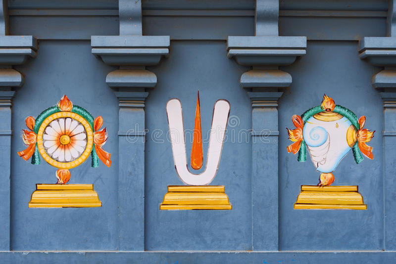 Trabajo de detalle en Gopuram, templo hindú Kapaleeshwarar , Chennai, T imagenes de archivo