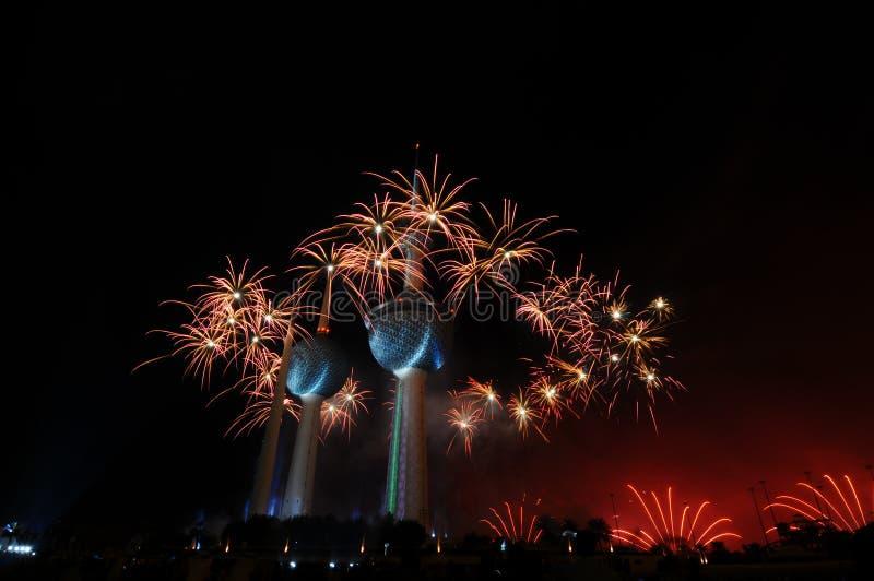 Trabajo del fuego de las torres de Kuwait fotos de archivo libres de regalías