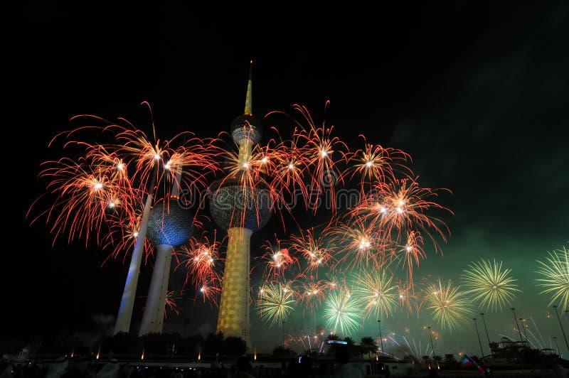 Trabajo del fuego de las torres de Kuwait fotografía de archivo