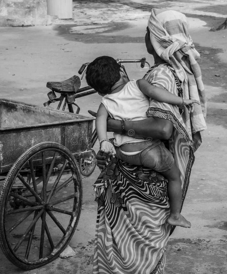 Trabajo del ` s de las mujeres en la India fotografía de archivo