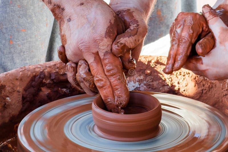 Trabajos de entrenamiento sobre la cerámica imagen de archivo libre de regalías