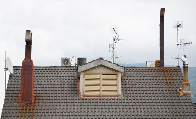 Trabajos múltiple del tejado imagen de archivo libre de regalías