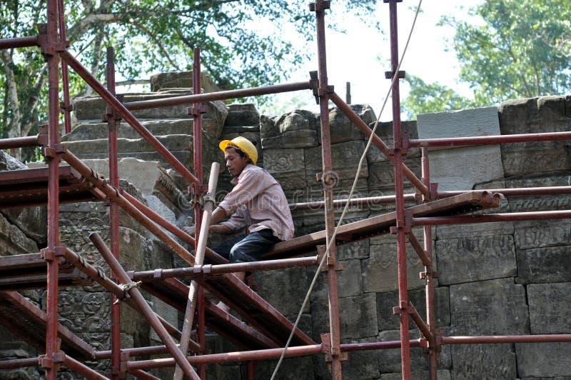 Trabalhador da construção cambojano foto de stock