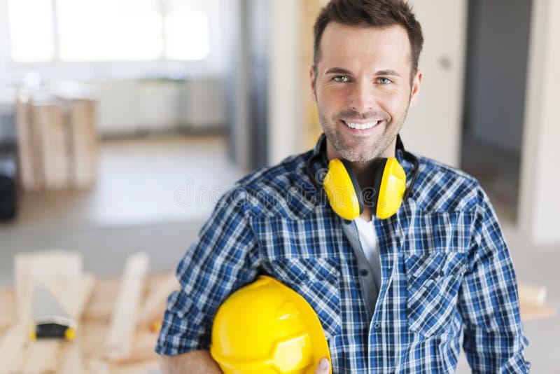 Trabalhador da construção considerável foto de stock royalty free