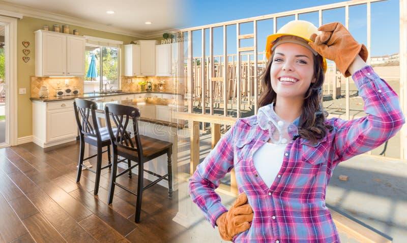 Trabalhador da construção fêmea na frente da casa que quadro Gradating t imagens de stock royalty free