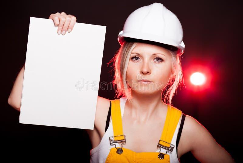 Trabalhador da construção novo da mulher do arquiteto, quadro vazio imagens de stock royalty free