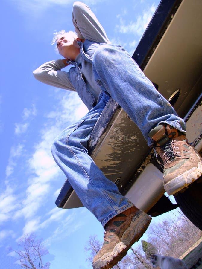 Trabalhador da construção que toma uma ruptura imagem de stock royalty free