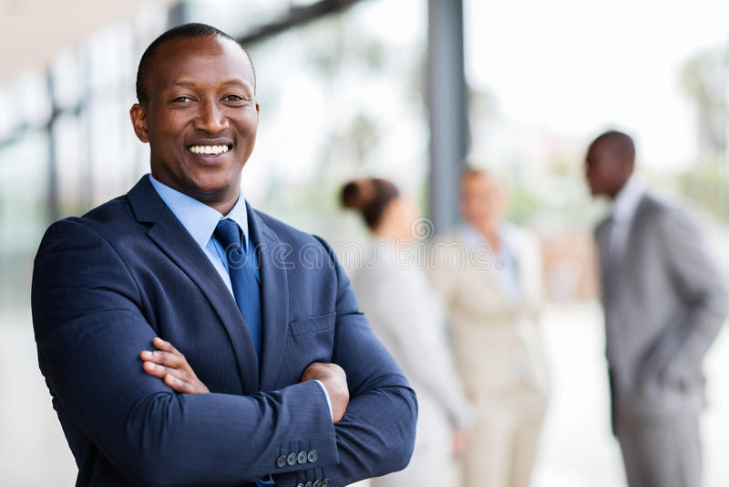 Trabalhador de escritório africano fotografia de stock royalty free