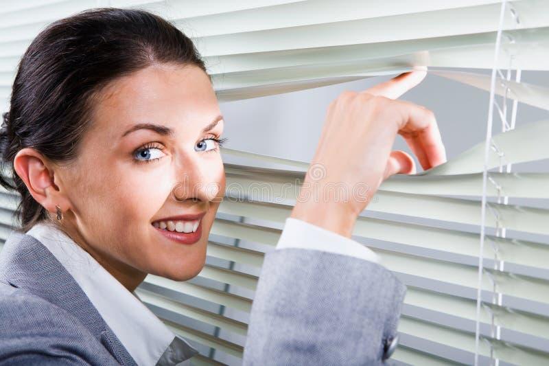 Trabalhador de escritório bonito da mulher imagem de stock royalty free