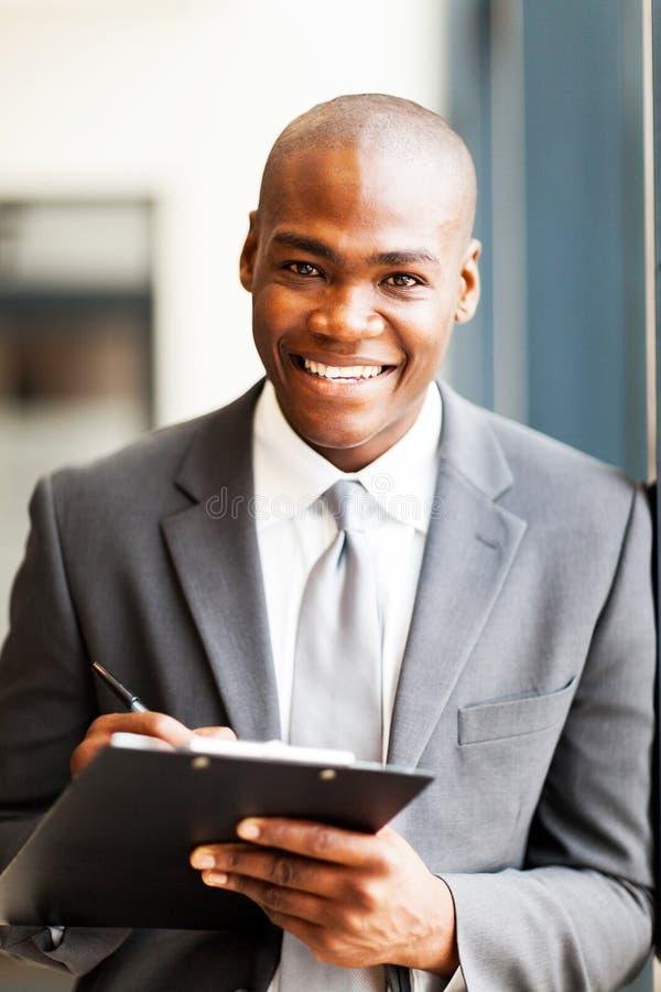 Trabalhador de escritório do americano africano fotos de stock royalty free