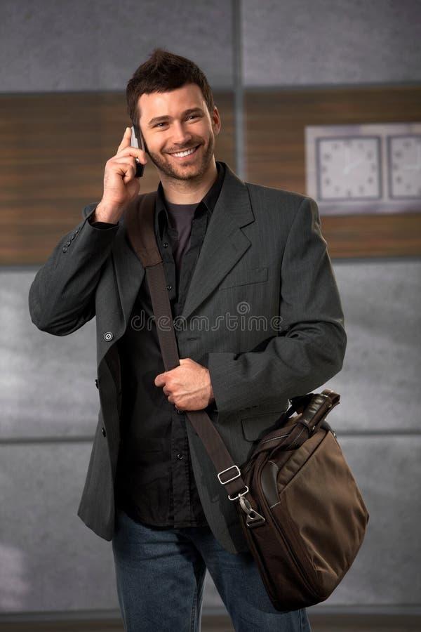 Trabalhador de escritório feliz fotografia de stock royalty free