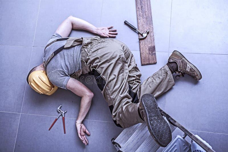 Trabalhador ferido fotografia de stock royalty free