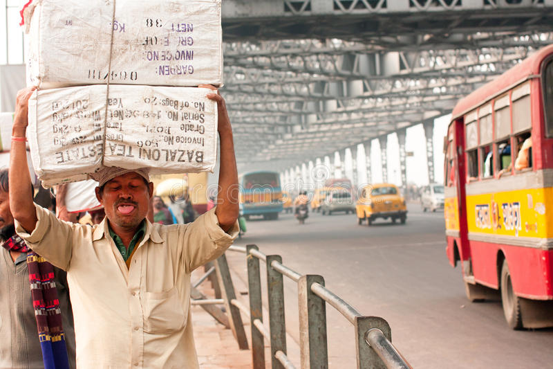 Trabalhador indiano na rua fotos de stock royalty free