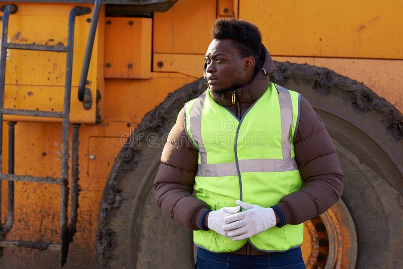 Trabalhador industrial afro-americano foto de stock