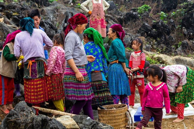 Trabalhadores agrícolas da minoria étnica de Hmong imagens de stock royalty free