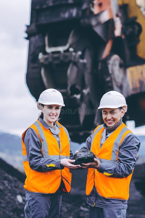 Trabalhadores carbonosos imagem de stock
