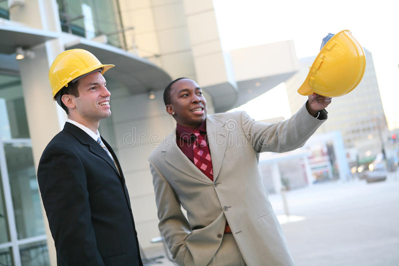 Trabalhadores consideráveis dos homens fotografia de stock