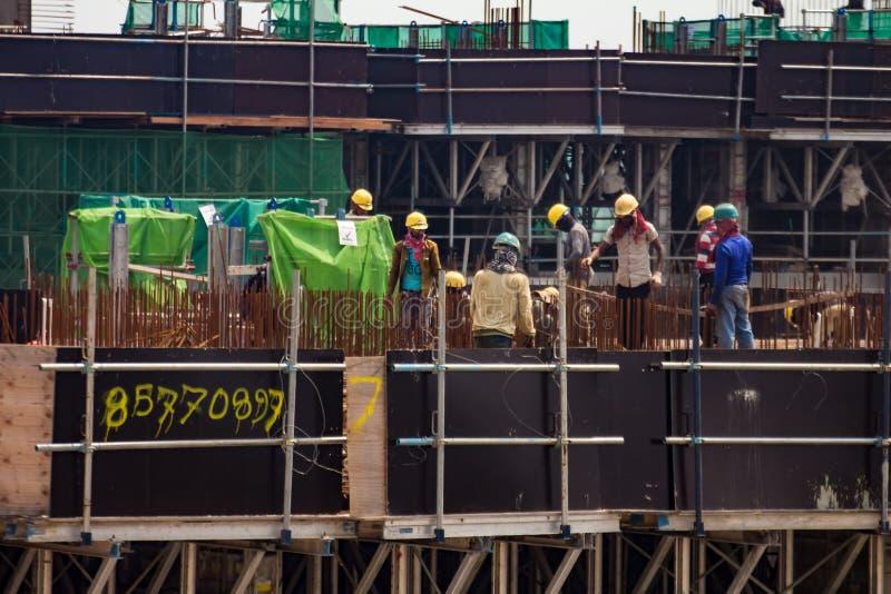 Trabalhadores da constru??o imagens de stock