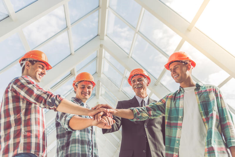 Trabalhadores da indústria da construção civil imagens de stock