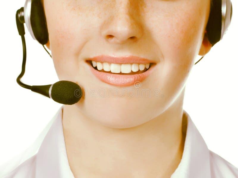 Trabalhadores do centro de atendimento que vestem auriculares fotografia de stock royalty free