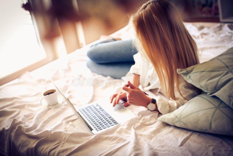 Trabalho da HOME Realmente relaxando imagem de stock