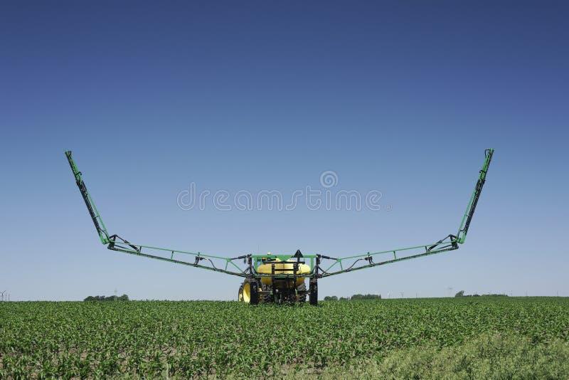 Trabalho de campo - cultivo moderno imagens de stock royalty free