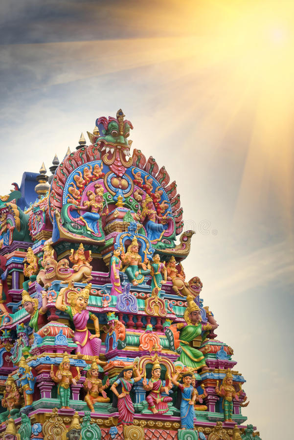 Trabalho de detalhe em Gopuram, templo hindu Kapaleeshwarar , Chennai, T fotos de stock royalty free