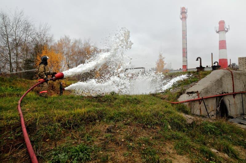 Trabalho dos sapadores-bombeiros imagens de stock royalty free