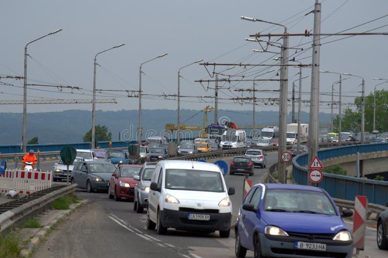 Trabalhos de estrada na ponte Bulgária de Varna fotos de stock royalty free