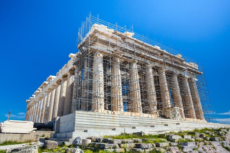 Trabalhos em curso da restauração no Partenon antigo do patrimônio mundial foto de stock
