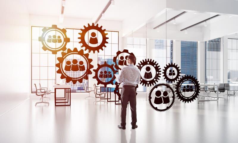 Trabalhos em rede e conceito social de uma comunicação como o ponto eficaz para o negócio moderno imagem de stock