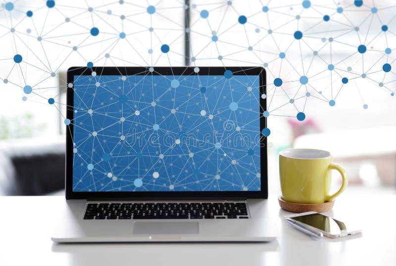 Trabalhos em rede home imagem de stock