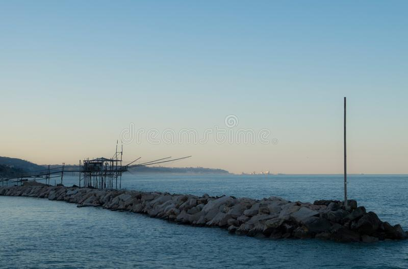 Trabocco et roches image stock