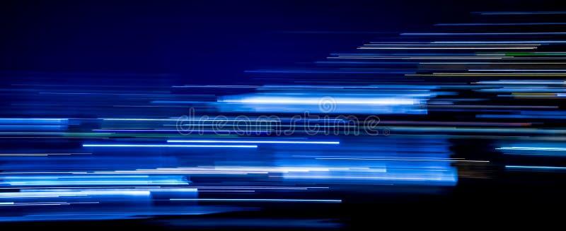 Tracce blu della luce fotografia stock libera da diritti