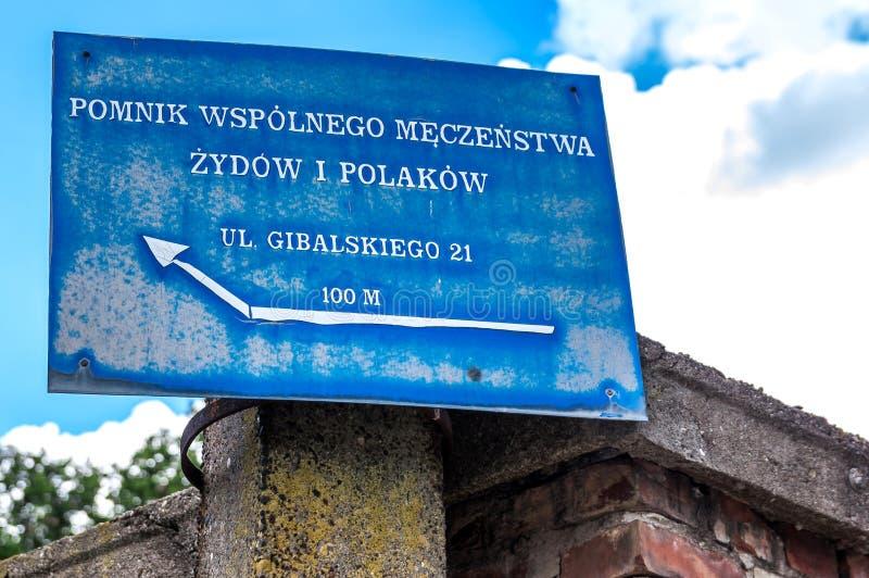 Tracce di Varsavia ebrea - bordo di informazioni immagini stock